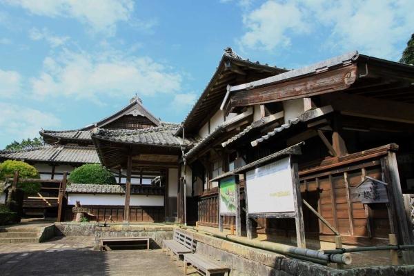 松浦資料博物館