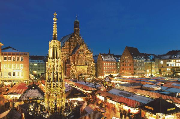ニュルンベルク-クリスマスマーケット(夜)