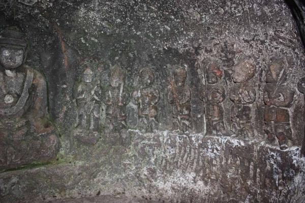 東麓石窟仏