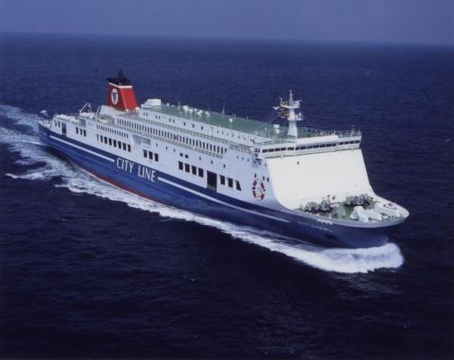大阪南港 フェリー