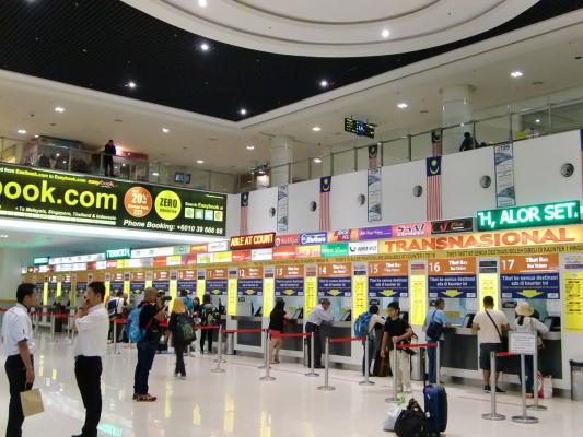 バンダー・タシック・スラタンバスターミナル