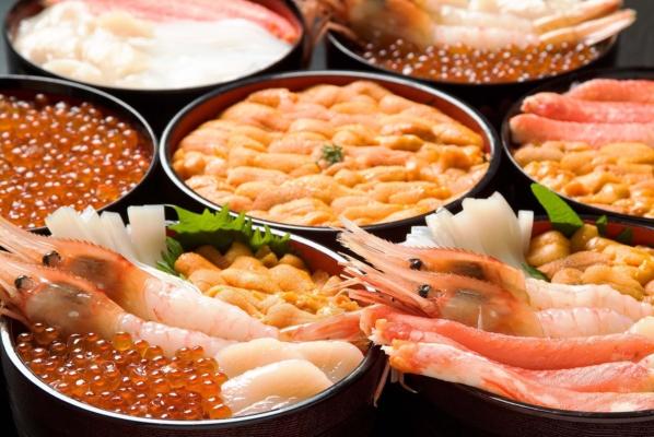 函館朝市 海鮮丼